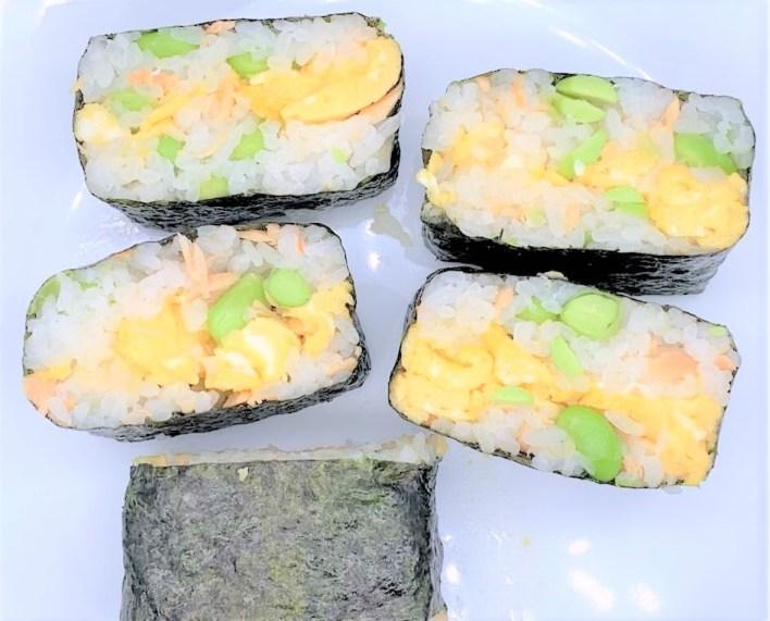 昭和おばさん 手作り夕食3[道南冷蔵 函館工場 無着色 鮭ほぐし(鮭フレーク)を使用]japanese-modest-meal-middle-aged-handmade-dinner-3-donan-reizo-canned-salmon-flakes-used-for-this-dinner-2020