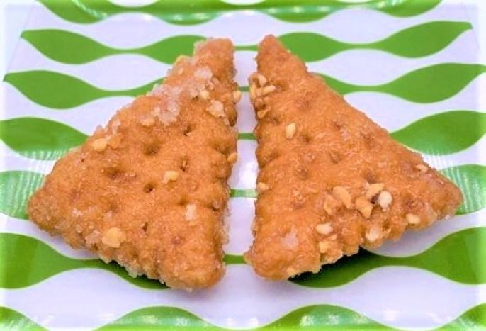 浜塚製菓 三角かりんとう ピーナッツ&ハニー 北海道 道産子ド定番 お菓子 2021 japanese-snacks-hamatsuka-seika-sankaku-karintou-fried-dough-cookies-2021