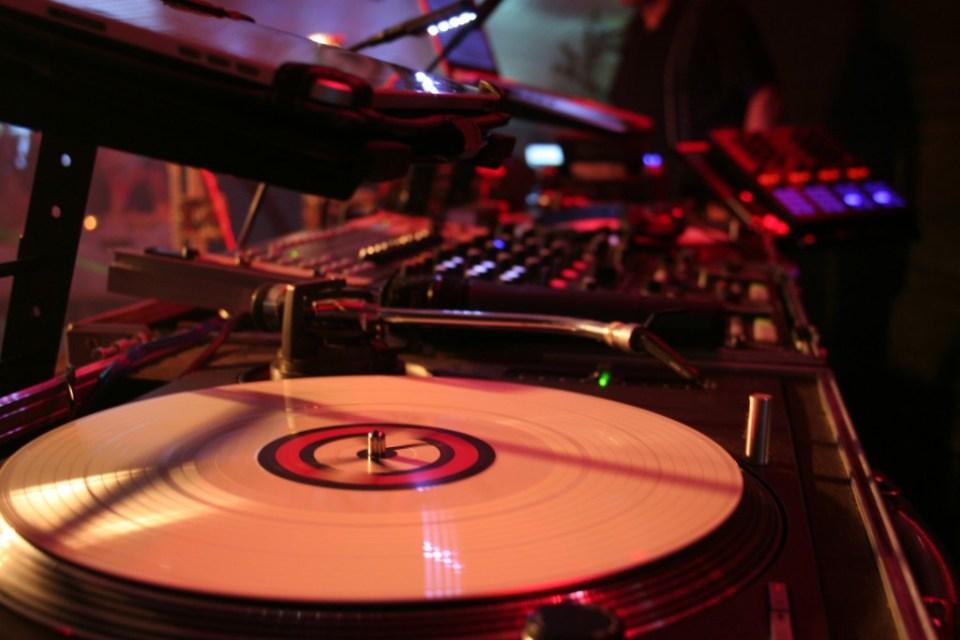 Dj Frankie b. Vinyl@work