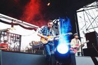 Air + Style - The Black Lips