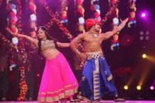 Shweta Basu Prasad performing on stage