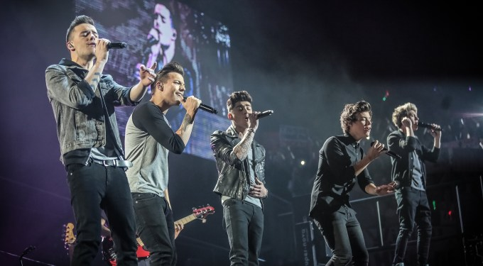 One Direction Makes Record-breaking Music History!