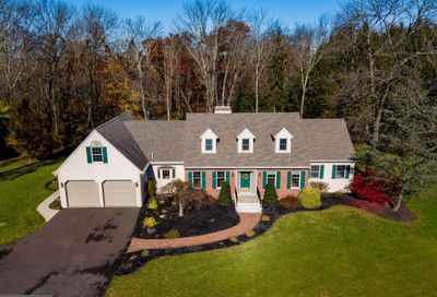 5043 Valley Park Road Plumsteadville PA 18902