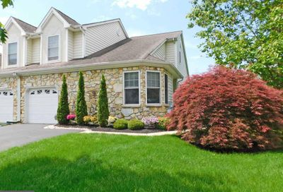 87 Griffith Miles Circle Ivyland PA 18974
