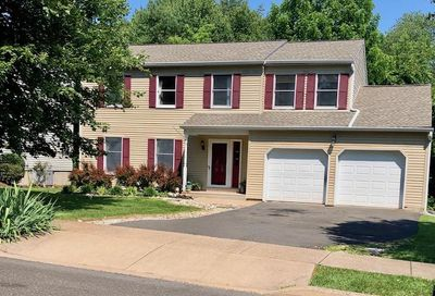 105 Barberry Court Chalfont PA 18914