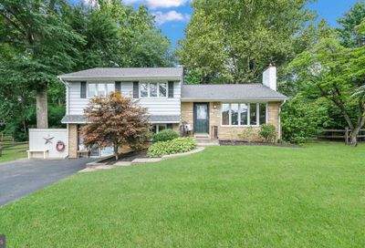 233 Forrest Drive Chalfont PA 18914