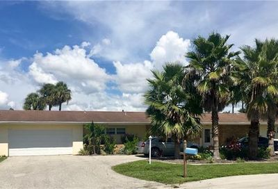 5207 Willow Ct Cape Coral FL 33904