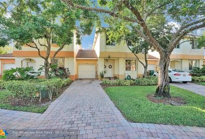6549 Hidden Cove Dr Davie FL 33314
