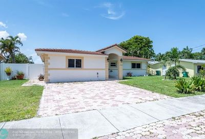 2465 NE 209th Ter Miami FL 33180