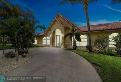425 Anchorage Dr North Palm Beach FL 33408