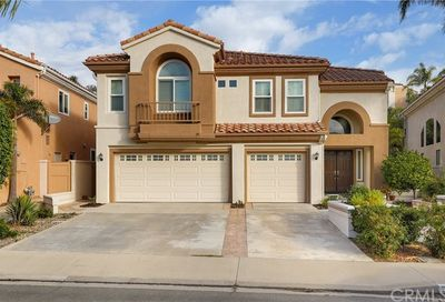 27 Bell Vista Lake Forest CA 92610