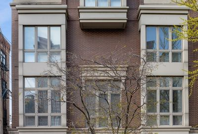 112 West Delaware Place Chicago IL 60610