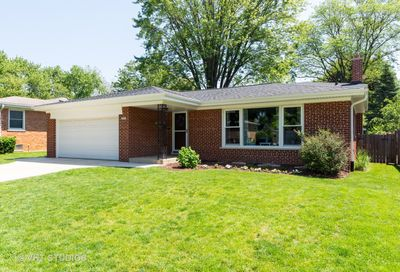 327 South Donald Avenue Arlington Heights IL 60004