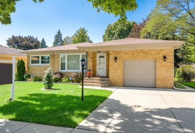 318 South Waterman Avenue Arlington Heights IL 60004