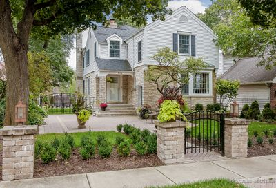 313 North Ellis Avenue Wheaton IL 60187