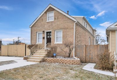 11018 South Whipple Street Chicago IL 60655