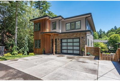1368 SW 58TH AVE Portland OR 97221
