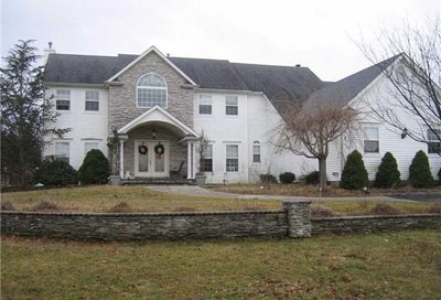 92 Sweetgum Ln Miller Place NY 11764