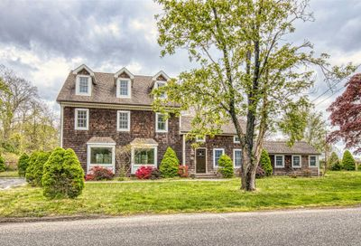47 Evergreen Ave East Moriches NY 11940