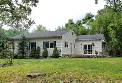 87 Woodhull Landing Rd Miller Place NY 11764