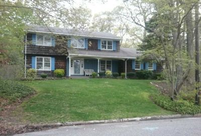 33 Woodland Rd Miller Place NY 11764