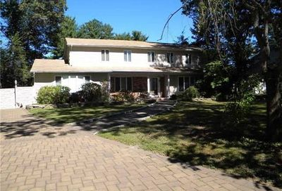 3 High Gate Dr Smithtown NY 11787