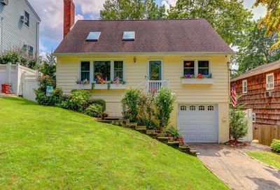24 Forester Ct Northport NY 11768