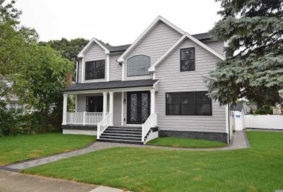 386 Chambers Ave East Meadow NY 11554