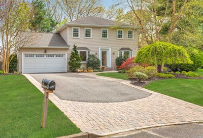 4 Christopher Ct St. James NY 11780