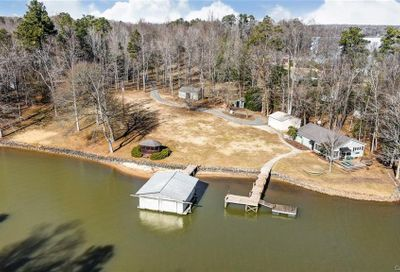 5945 Natoma Road Lake Wylie SC 29710