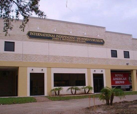 """alt=""""International Independent Showmen's Museum"""""""