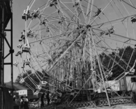 """alt=""""Eli Bridge Ferris Wheel"""""""