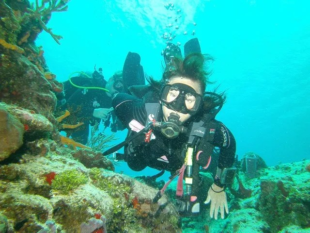 Take a Dive with Extreme Sports Scuba