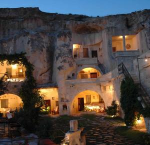 Пещерный отель Гамирасу