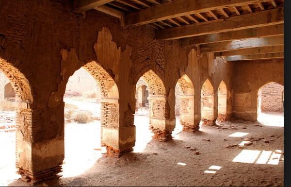 Derawar Fort Ruins