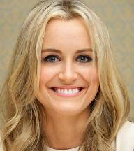 Taylor Schilling as Piper Chapman - Orange Is The New Black