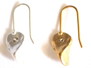 Pinch of Love earrings Jewelry made from recycled silver plated-brass or 18kt gold plated-brass embedded crystals