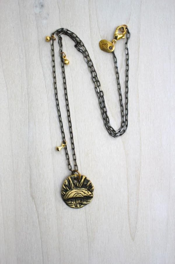 rise up necklace