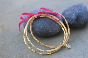 Circle of White light bangle gift set