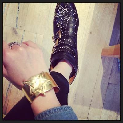 It's black and gold Friday @jenyen1 #showthelovejewelry #showthelove #style #jewelry #fashion