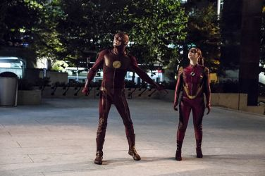 "The Flash -- ""The New Rouges"" -- Image FLA304a_0208b.jpg -- Pictured (L-R): Grant Gustin as The Flash and Violett Beane as Jesse Quick -- Photo: Katie Yu/The CW -- © 2016 The CW Network, LLC. All rights reserved."