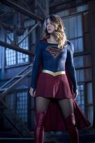 """The Flash -- """"Invasion!"""" -- Image FLA308a_0048b.jpg -- Pictured: Melissa Benoist as Kara/Supergirl -- Photo: Michael Courtney/The CW -- © 2016 The CW Network, LLC. All rights reserved"""