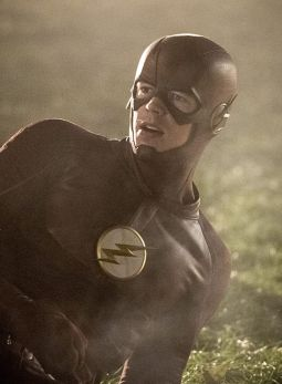 """The Flash -- """"Invasion!"""" -- Image FLA308c_0149bc.jpg -- Pictured: Grant Gustin as The Flash -- Photo: Dean Buscher/The CW -- © 2016 The CW Network, LLC. All rights reserved."""