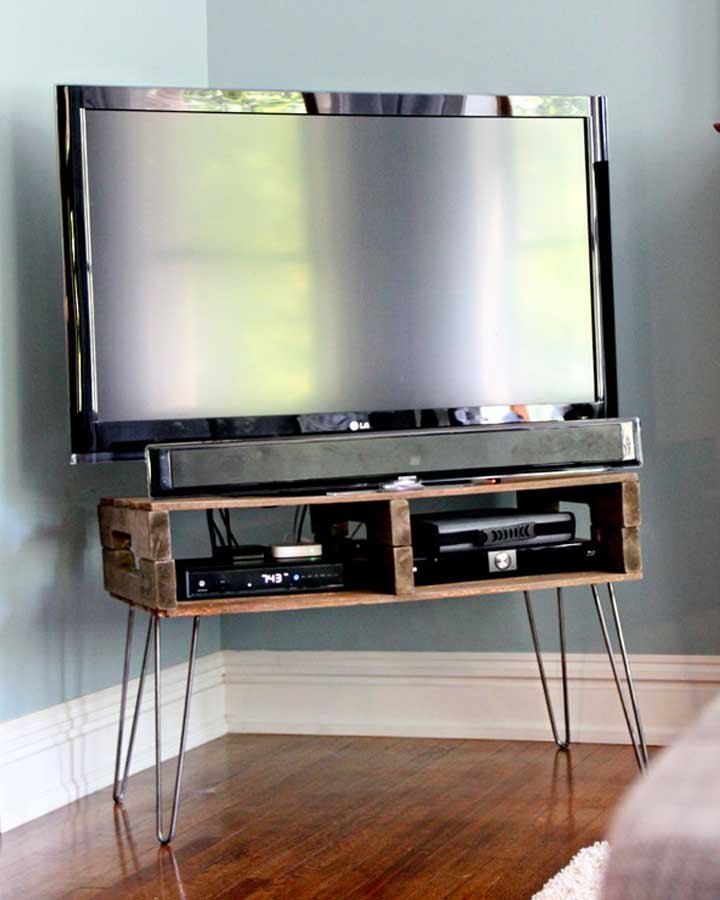 DIY Pallet TV Stand Project