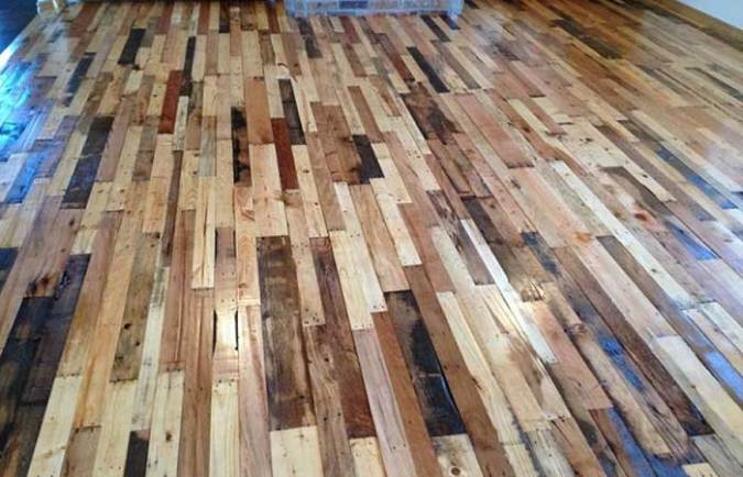 Easy to Build Wood Pallet Flooring at No Cost   DIY Design   Decor DIY Pallet Flooring Cost
