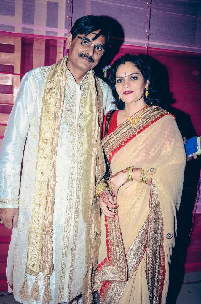 indian wedding parents