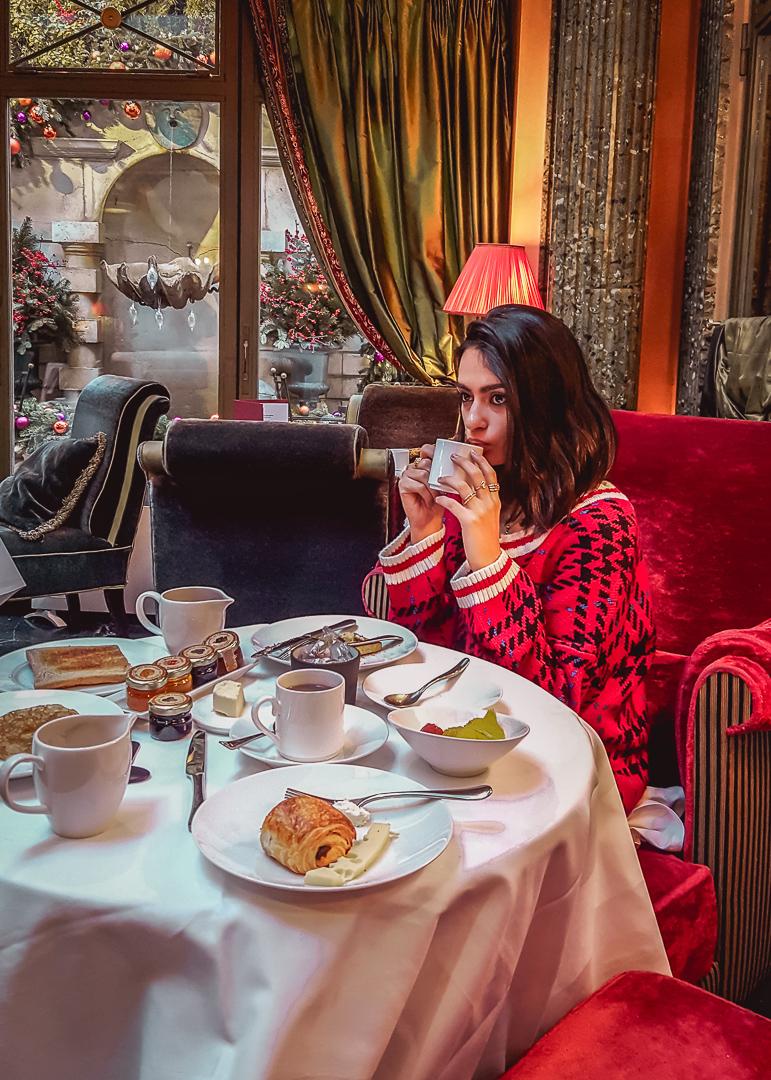 If Walls Could Talk – L'Hotel Paris