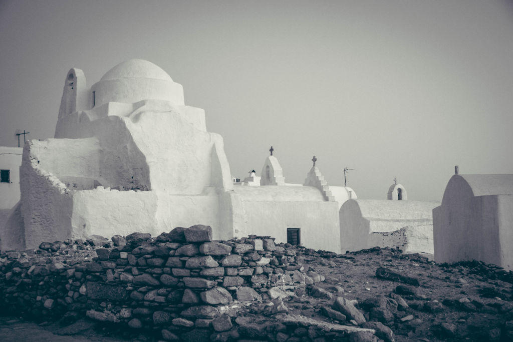 whitewashed churches in mykonos