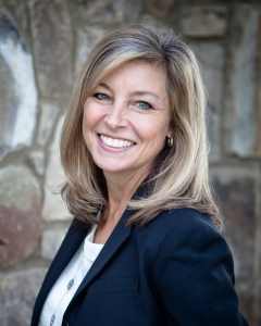 Cindi Filer Headshot