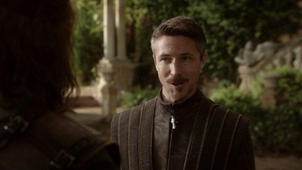 Aidan Gillen Petyr Baelish Game of Thrones screencaps